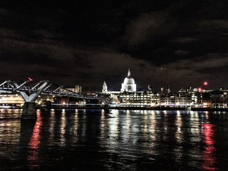 2 Tage in London - St Pauls at night