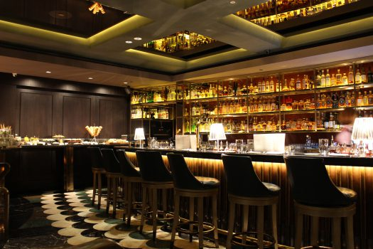Sunday Cocktail Brunch in der Manhattan Bar Singapur – der 3. besten Bar der Welt